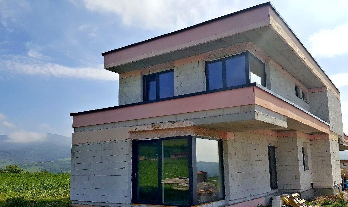 Hliníkové a plastové okná, dvere a posuvné systémy novostavba Rudnianska Lehota