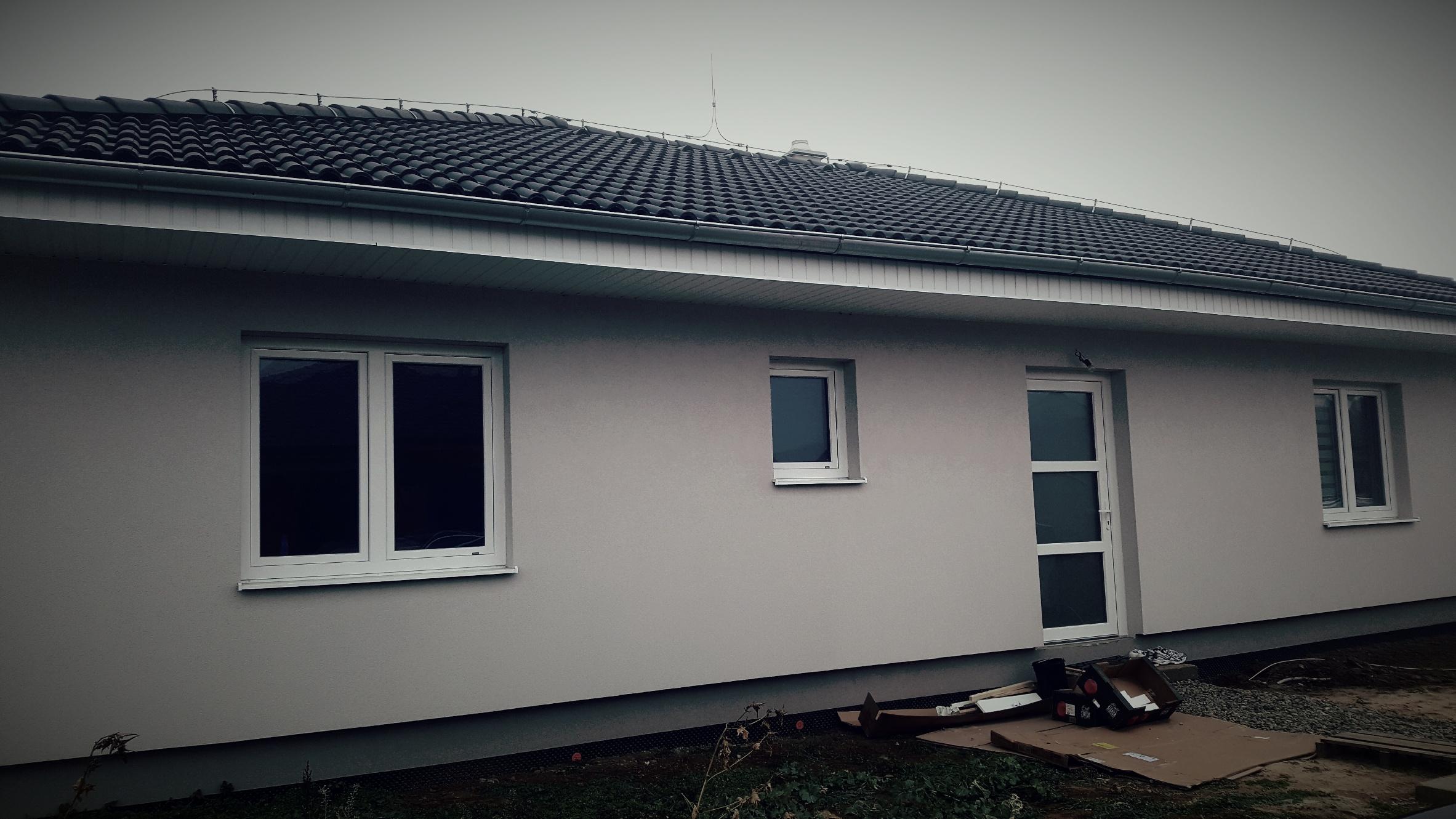 Dodanie okien a dverí novostavba Hronské Kosihy