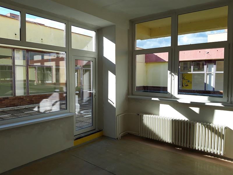 Výmena okien a dverí obchodné priestory Prievidza